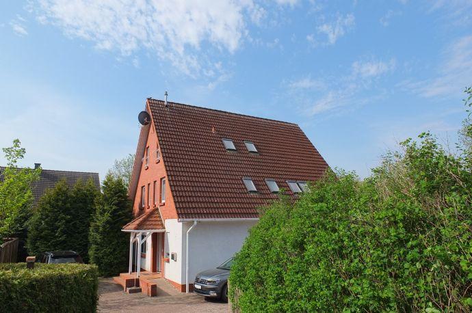 Mehrfamilienhaus mit vielfältigen Nutzungsmöglichkeiten - individuell + idyllisch