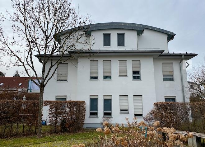 Lichtdurchflutete 3 Zimmer-Wohnung mit Hobbyraum im UG und Garten Am Durchblick, Obermenzing