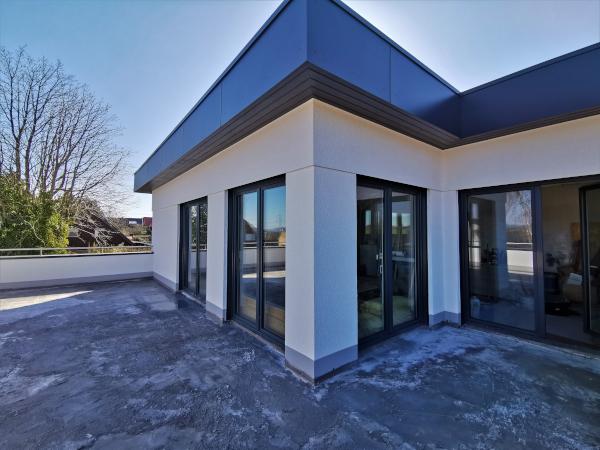 Kirchlengern - komfortable 4 Zi. Penthouse-Wohnung m. traumhafter Dach-Terrasse in einem 3-Fam.-Haus!
