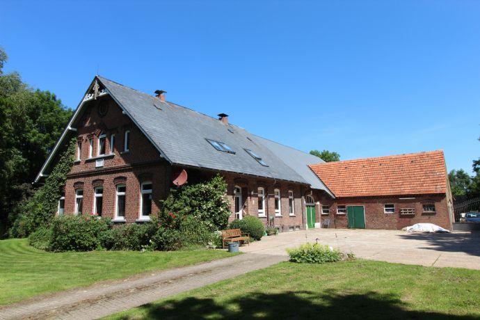 Schöne ländliche Immobilie für die große Familie mit der Möglichkeit zur Pferde-/Tierhaltung wartet in Ovelgönne/ Oldenbrok auf Sie.
