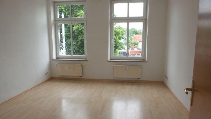 ==Schöne, helle 2.Zimmerwohnung mit Laminat Neu==