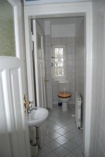 schöne helle 4 Zimmerwohnung in der Raiffeisenstraße
