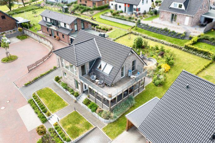 Exklusives neuwertiges Einfamilienhaus mit außergewöhnlichem