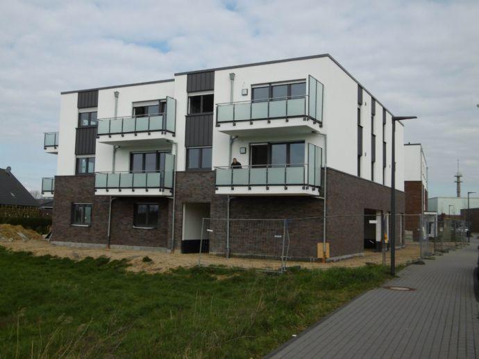 Schön geschnittene 2 Zimmer Neubau-Whg 2.OG mit BalkonMarkiseKlimageräte - Am Nierspark 56