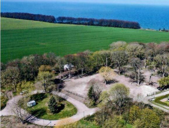 2,1 Hektar-Grundstück (nur 250 m bis zum Ostsee-Strand!) mit Baurecht für exklusives Wellness-Hotel