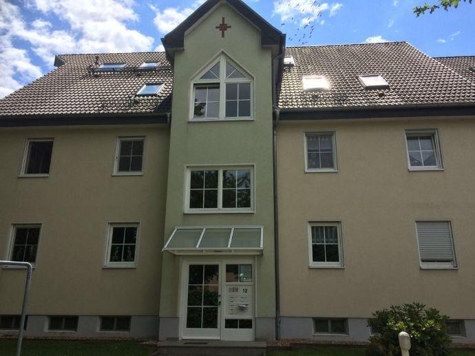 1-Raum-Wohnung mit Einbauküche und Balkon