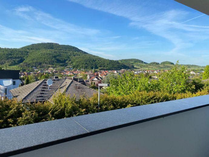 Wohnen in einer super Lage mit bezauberndem Fernblick über die Dächer von Dörnberg