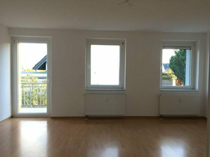 3-Zimmerwohnung mit Balkon und EBK