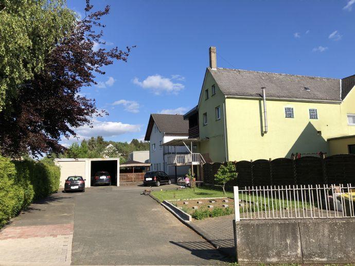 Mehrfamilienhaus mit Gewerbeflächen//1000m² Grundstück//600m² Wohn- & Nutzfläche