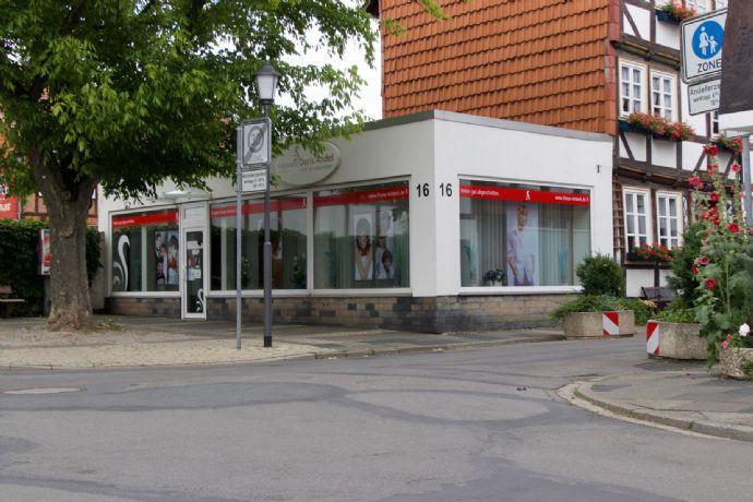 Ladengeschäft in der Innenstadt mit etabliertem Friseursalon