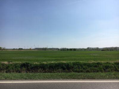 Ackerflächen und Grünland