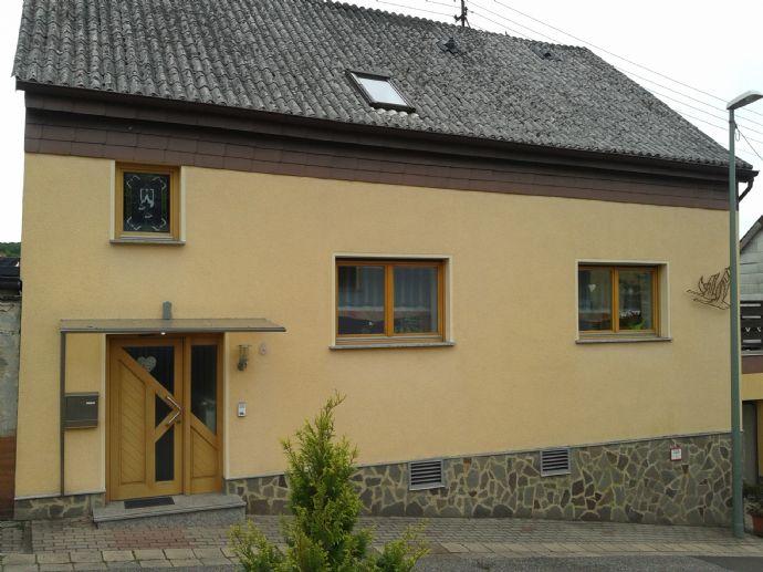 Freistehendes Einfamilienhaus , mit Wintergarten und Dachterrasse, in schöner, ruhiger Lage in Quierschied
