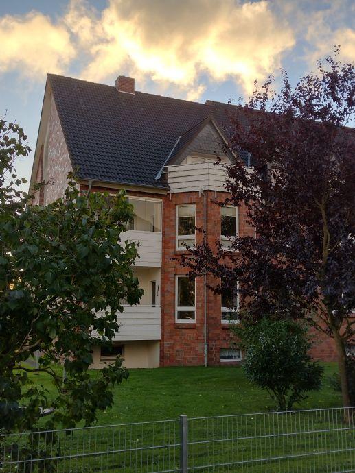2 - Raum - Wohnung mit Balkon