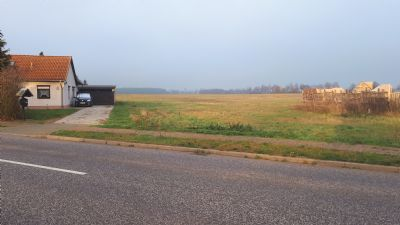 Grundstück zwischen Wohngrundstücken ca. 35 km vom Wolfsburger Stadtzentrum entfernt, OT Trippigleben