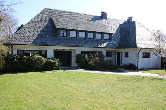 Klassische 1-2 Generationen-Villa in Bestlage