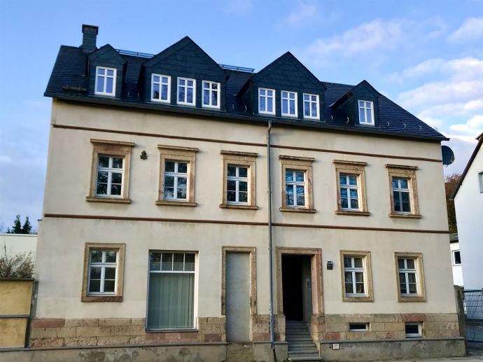 Hochwertig saniertes MFH (4 WE) mit Balkonen, Kamine, Stellplätze, Doppelcarport und vielem mehr