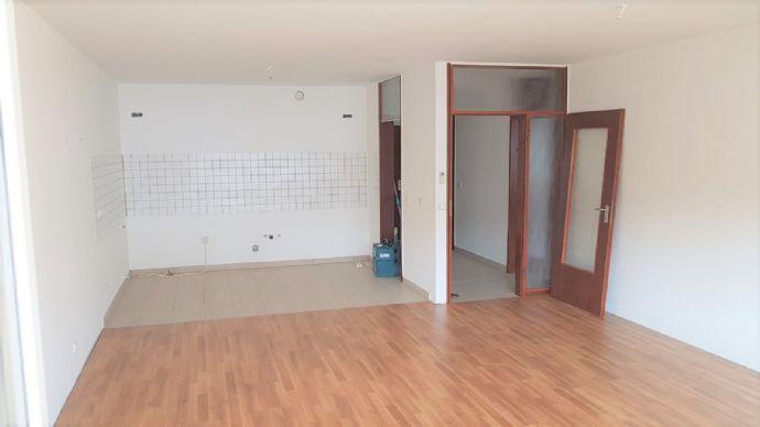 Freundliche, helle  71qm  2 Zimmer-Wohnung mit sonniger Loggia