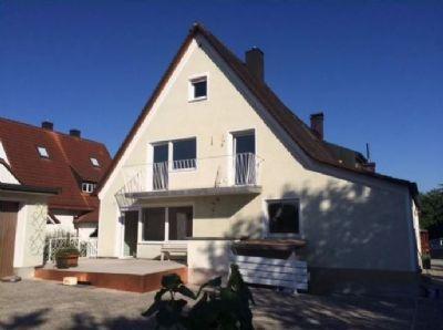 Doppelhaushälfte in Unterschleißheim mit Garten & Büro mit separatem Zugang