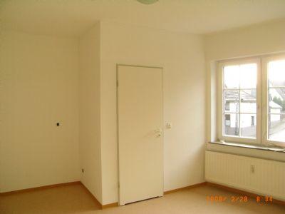 Rechte Einheit :  Raum 16 m2
