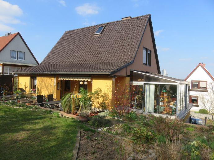 Sehr ruhig gelegenes freistehendes EFH mit Wintergarten in Saalfeld - Obere Stadt - mit Blick über die gesamte Stadt