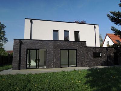 provisionsfrei einzugsbereite neubau villa au ergew hnliche architektur luxuri se. Black Bedroom Furniture Sets. Home Design Ideas