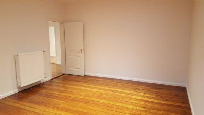 attraktive 5 zimmer wohnung in karlsruhe etagenwohnung karlsruhe 2junm4g. Black Bedroom Furniture Sets. Home Design Ideas