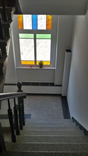 helle gemütliche Dachgeschosswohnung  mit Einbauküche, Badewanne, SP möglich