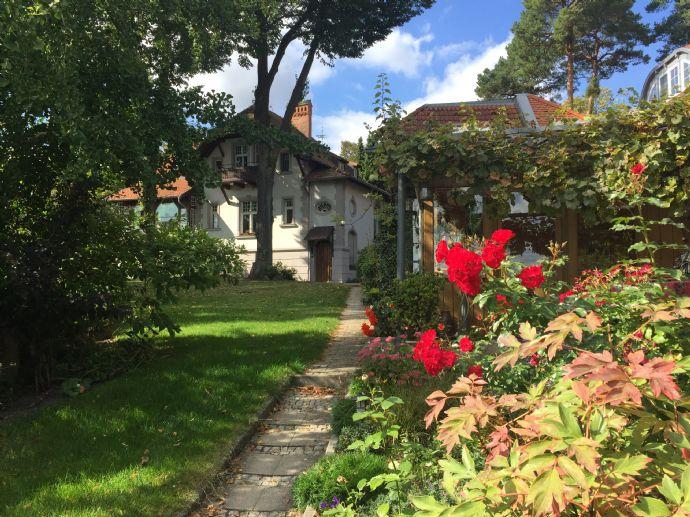 Großzügige 3-4 Raum Jugendstil-Wohnung mit beheizbarem Wintergarten in Villa am Zeuthener See