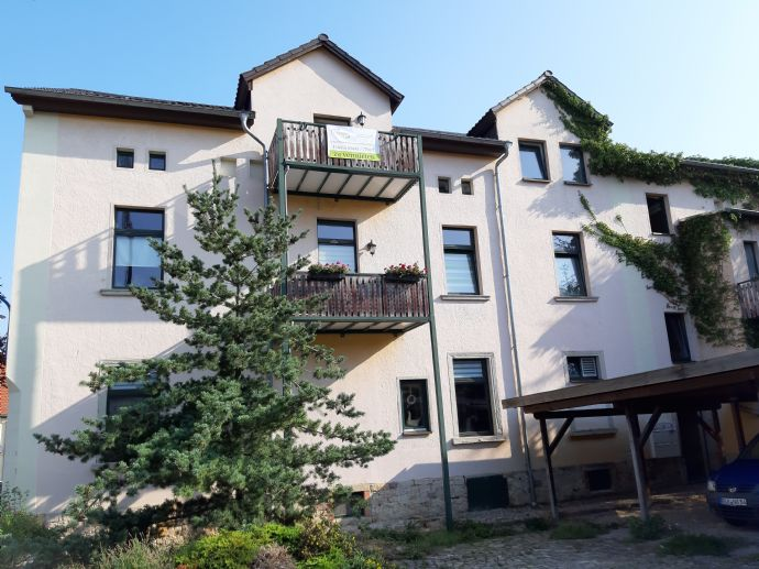 2 Zimmer Wohnung mit Balkon in Stößen zu vermieten neu renoviert