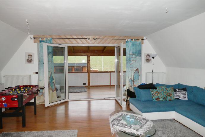 Schöne, großzügige 4-Zimmer-Maisonette-Wohnung in Borgloh