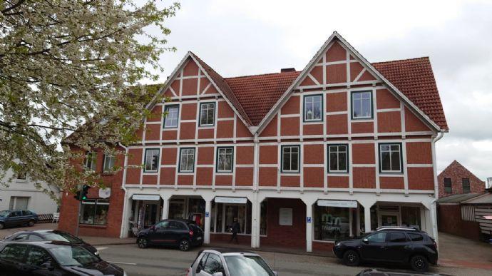 Hochwertig renovierte Wohnung im Zentrum von Steinkirchen