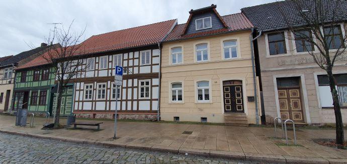 Saniertes Zweifamilienhaus im Zentrum von Osterburg.