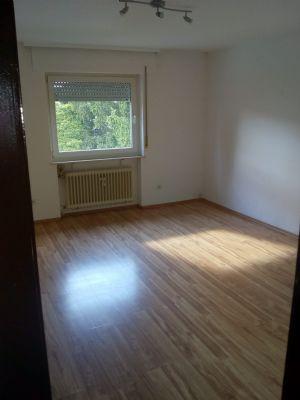 Wohnung in der 1. Etage mit Balkon in beste Lage.