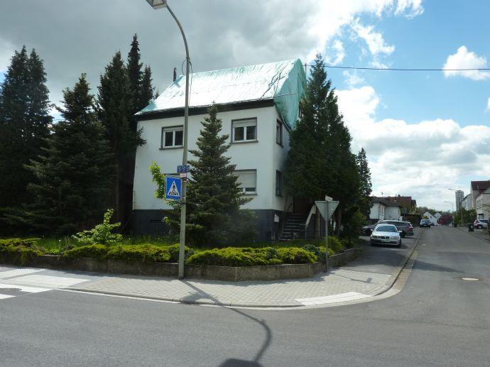 PROJEKTIERUNG - MFH - Etagenwohnungen - Anbautrakt - zuzüglich freies Grundstück - Wohnhaus - Garagen