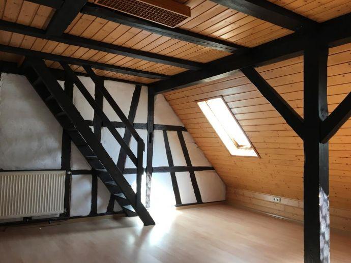 Albstadt-Tailfingen: 3-Zimmer-Dachgeschosswohnung zur Miete!