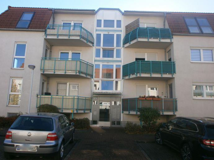 Schöne 1-Raum-Wohnung mit Balkon !