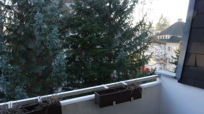 1,5 Zimmerwohnung unweit dem Halensee (Teilmöbliert)