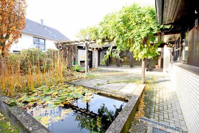BS-Gliesmarode: Ansprechender Bungalow mit uneinsehbarem, gepflegten Garten und idyllischem Teich