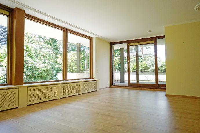 Goßlerspark 1A Lage.... nur 4 Gehminuten in den Ortskern!! Wunderschöne Terrassenwohnung mit großem Balkon, Wohnküche etc.