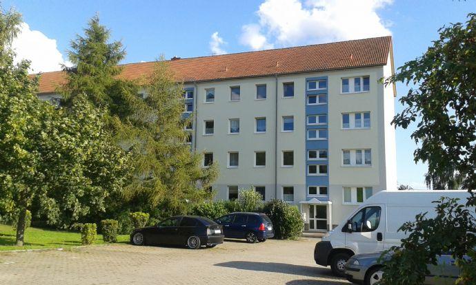 Beyernaumburg: Schöne 2 Raumwohnung mit Süd-Balkon und Fernblick, Pkw-Stellplatz + Keller v. privat