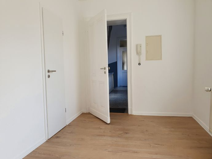 MÜLLER - Helle Wohnung per sofort
