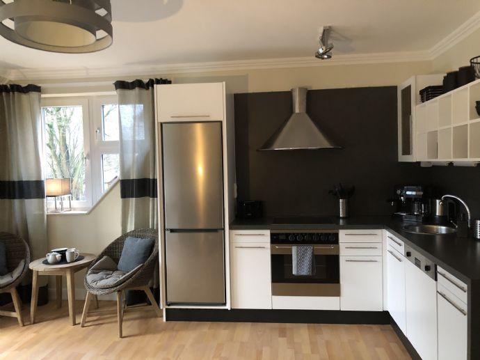Neu renoviert & komplett eingerichtet! Fast wie im Hotel! 2-Zimmer-Wohnung mit W-Balkon