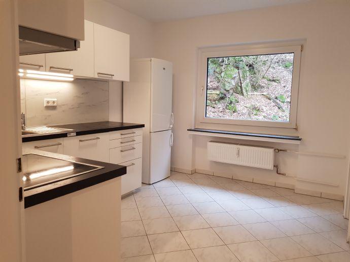 Zentrale neuwertige 2,5-Zimmer-Wohnung mit EBK in Wuppertal