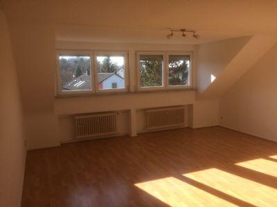 2 Zimmer DG Wohnung in Darmstadt Eberstadt