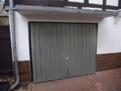 Garage im Innenhof - im EG des Vorderhauses