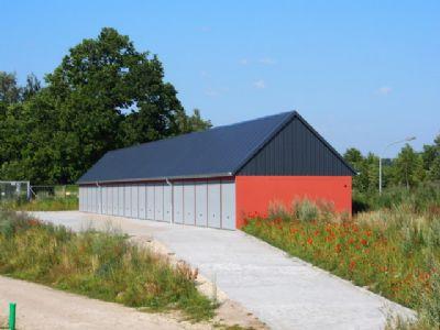 Garagenanlage im Baugebiet