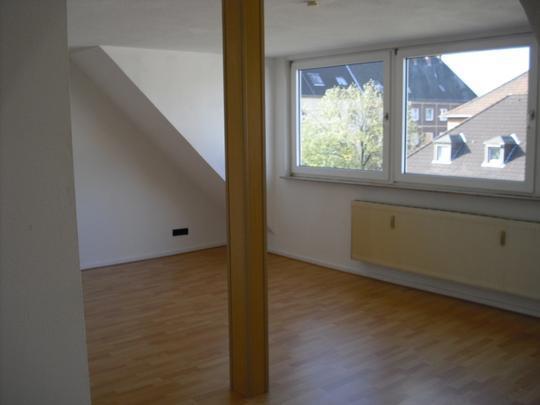 Schöne 2 Zimmer-Wohnung im Dachgeschoss in Rotthausen