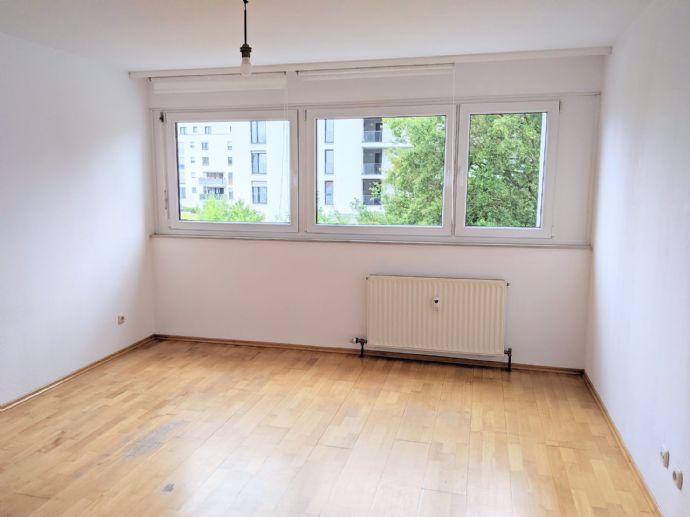 Helle 2-Zimmerwohnung in Stuttgart Fasanenhof, 56 m2 energiesaniert mit Einbauküche & Balkon