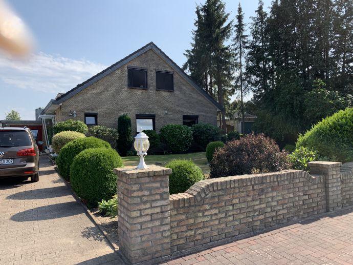 Zweifamilienhaus in Padenstedt zu verkaufen !