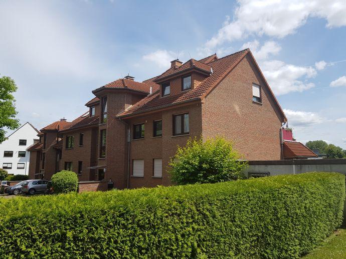Ruhige, sehr gepflegte 3-4 Zimmer-Wohnung mit Balkon in Baunatal